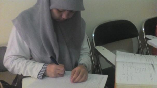 Farah mengikuti kursus private