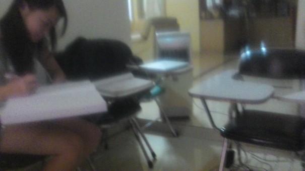 situasi murid les private selama liburan di Akong Bimbel