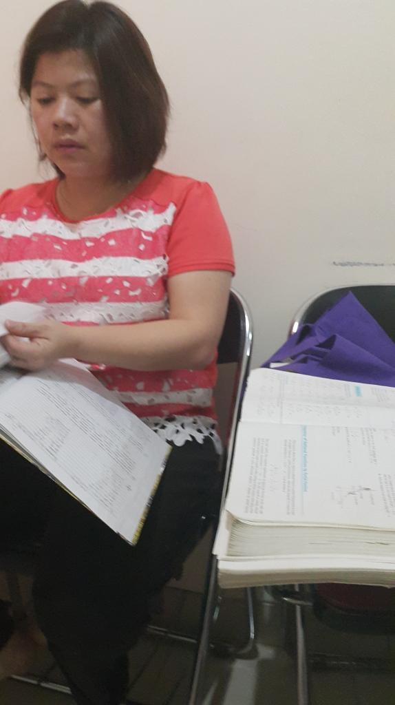 Salah satu aktivitas belajar tes masuk UPH (Universitas Pelita Harapan) di Bimbingan Belajar Akong. Simaklah / zoom buku cetak persiapan UPH yang digunakan.