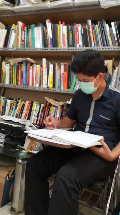 Siswa yang sedang persiapan tes nanyang nus