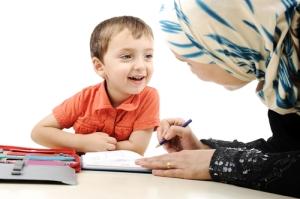 Lakukan metode pembelajaran sejak dini bersama anak Anda.